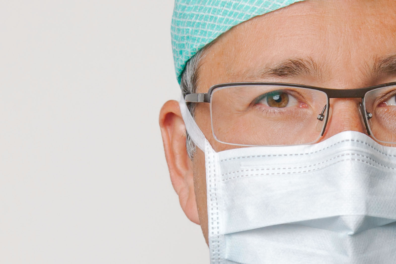 Dr. <br />Eduard Radew